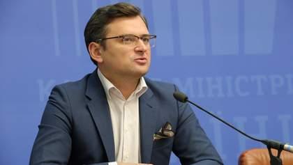 Україна має бути готовою до відповіді Путіна, – Кулеба про блокування каналів Медведчука