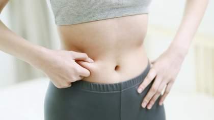Фитнес-тренерша назвала 2 привычки, которые помогут избавиться от жира на животе
