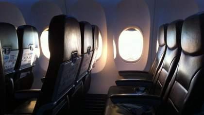 Стюардесса подробно рассказала, какие четыре места на борту самолета выбирать лучше всего