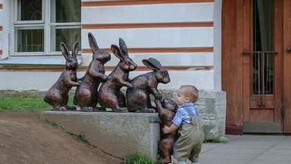 Щирі людські почуття у дитячих фото: 10 прикладів