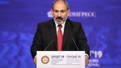 Пашинян заверил, что до сих пор контролирует армию