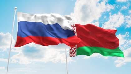 """Білорусь хоче укріплювати відносини з Росією через """"тиск Заходу"""""""