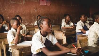 Нігерія закрила школи-інтернати після масового викрадення учениць