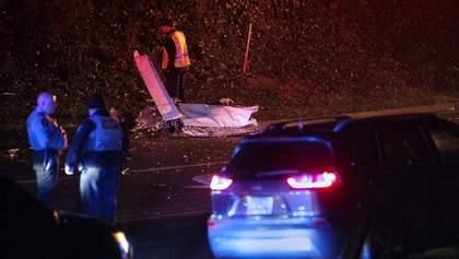 У США розбився літак: 3 людей загинули, місцевих жителів евакуювали – фото, відео