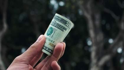 Доллар снова по 28: чего ждать от курса гривны на этой неделе
