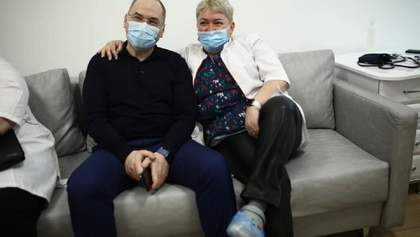 """Врач, которая вакцинировала Степанова, прокомментировала слухи о """"ненастоящей"""" вакцине"""
