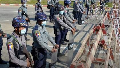 В Мьянме силовики расстреляли по меньшей мере 34 протестующих: нападали и на медиков