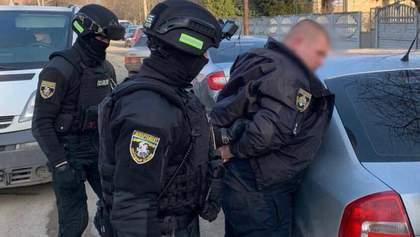 На Днепропетровщине поймали одного из полицейских топов, который обложил данью весь район