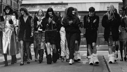 Домашня історія подруг: показ Chanel осінь – зима 2021/2022