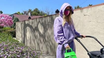 Какой спортивный костюм купить этой весной: стильный образ показывает Эльза Хоск