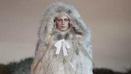 Люксовые бренды Balenciaga и Alexander McQueen отказались от натурального меха