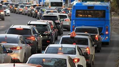 Не тільки корки на заваді: у Києві в понеділок захмарно здорожчало таксі