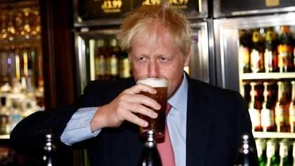Обережно, але незворотньо, – Джонсон зразу після локдауну планує в паб на пиво
