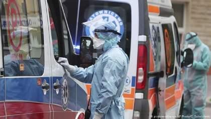 У Польщі зафіксували новий рекорд за кількістю смертей від COVID-19: майже тисяча за добу