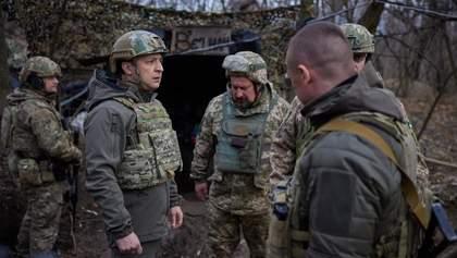 Дуже складна ділянка, – Зеленський відвідав позиції ЗСУ за 80 метрів від бойовиків