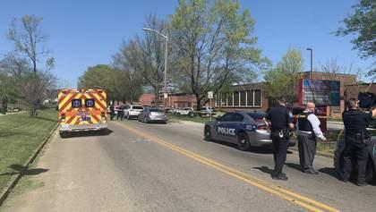 Стрілянина у школі в США: є жертва, поранений поліцейський