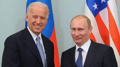 Байден відтягнув час для України, – Арестович про телефонну розмову президентів США та Росії