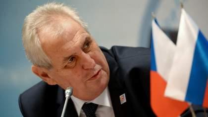 Сенат Чехии одобрил заявление о жалобе на президента