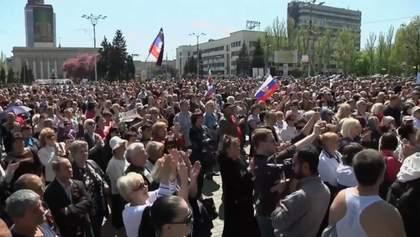 Почти 500 тысяч украинцев стали россиянами: Кремль проводит паспортизацию жителей ОРДЛО