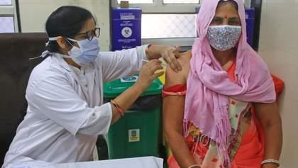 В Индии, впервые за сутки, выявили более 400 тысяч новых больных коронавирусом