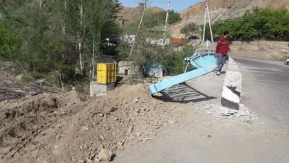Таджикские военные обстреляли жилые дома Кыргызстана : видео
