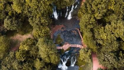 Джуринський водоспад, який змушує затамувати подих: чим здивує місце сили