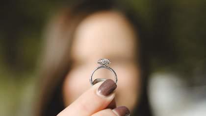 """Пара потеряла кольцо за тысячу долларов в океане: его """"украла"""" рыбка"""