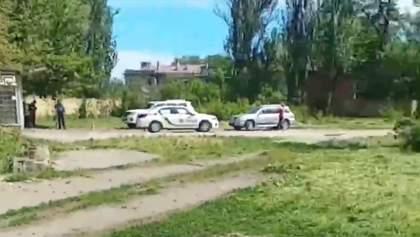 Под Одессой люди в масках расстреляли авто: есть раненый – видео
