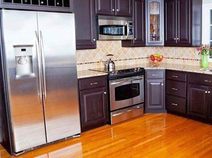 Завеликий холодильник може зіпсувати вигляд кухні