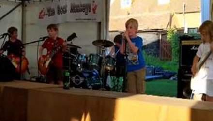 Відео каверу Metallica, який виконують діти, б'є рекорди на Youtube