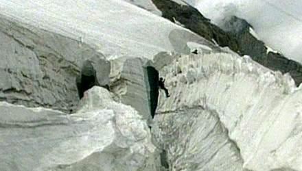 Прогулка по ледникам: опасный тур среди оврагов и горных потоков Швейцарии