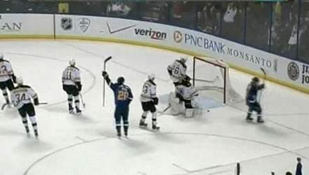 """Хоккеисты """"Сент-Луиса"""" в овертайме вырвали победу у """"Бостона"""""""