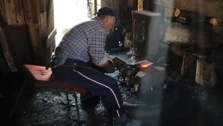 Путешествие по Украине. На Закарпатье действует уникальная водяная кузница