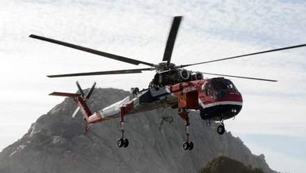 Як грізний вертоліт-кран врятував американське містечко від вічної темряви