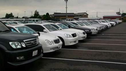 """Чому українці змушені купувати авто з """"секонд-хенду"""""""