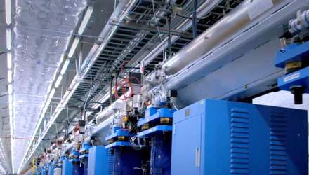 Китайцы превратили легендарного трансформера в планшет, самый мощный рентгеновский лазер