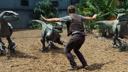 """Фильм дня. """"Мир Юрского периода"""" — фантастика об опасных развлечениях в парке с динозаврами"""