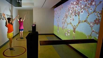 Удивительный музей, где можно почувствовать себя деревом и оседлать квадратный велосипед