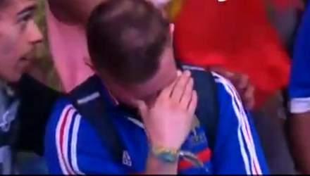 Зворушує до сліз: маленький португальський вболівальник розрадив француза