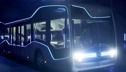 Інноваційний автобус з системою автономного управління для зручності пересування