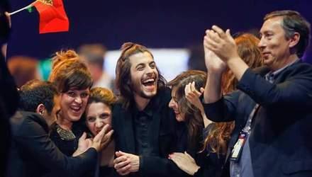 Участник Евровидения от Португалии выступил в киевском баре