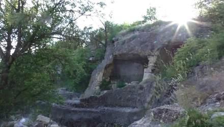 Для чого жителі кримських гір побудували мережу довжелезних тунелів
