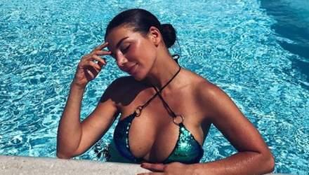 Седокова показала сексуальную фигуру в купальнике: фото