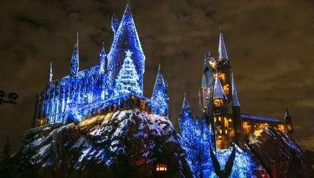 """В США открыли предновогодний парк развлечений """"Волшебный мир Гарри Поттера"""": сказочные фото"""
