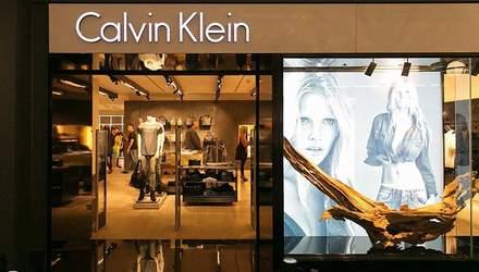 Чому одяг від Calvin Klein отримав неймовірну популярність у світі