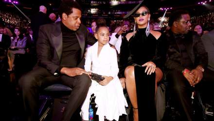 """Дочь Бейонсе и Jay-Z появилась на церемонии """"Грэмми-2018"""" в костюме украинского дизайнера"""