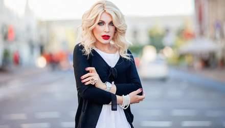 Травесті-діва Монро засудила реакцію Тіни Кароль щодо Зіанджи