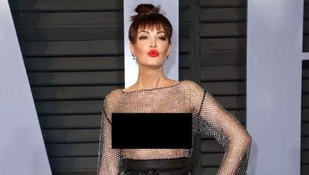 """Албанская певица пришла на вечеринку в """"голом"""" платье от украинского дизайнера"""
