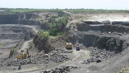 """Електромобільне майбутнє """"роздерибанили"""": літієве родовище передали людям Кононенка"""