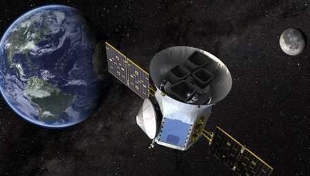 SpaceX вывел на орбиту спутник TESS для поиска внеземной жизни: захватывающее видео запуска